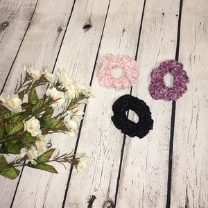 🌼 Crocheted Scrunchies Set of 3